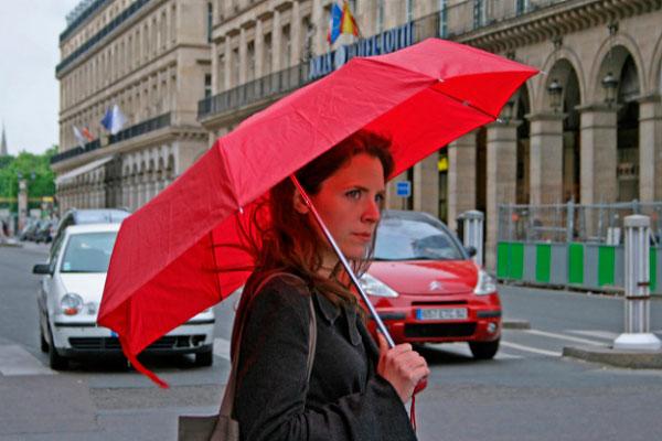 Девушка с зонтом.