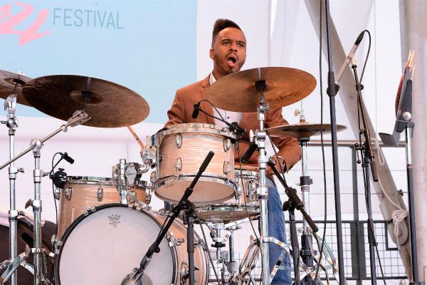Фестиваль джаза.