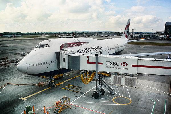 Купить авиабилеты из Франции в Англию.