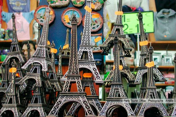 Сувениры из Парижа.